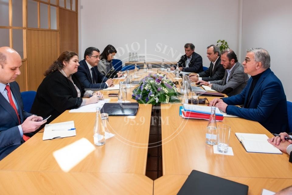 Ministra Alexandra Leitão com os presidentes de câmara do alentejo litoral