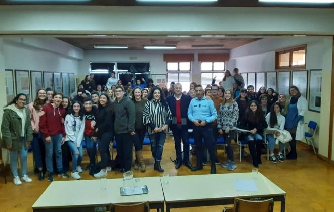 Escola Poeta Al Berto recebeu sessão do Parlamento dos Jovens