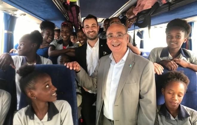Grândola ofereceu a Cabo Verde um autocarro e 300 conjuntos educativos