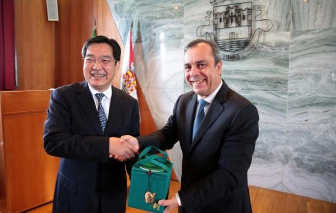 Delegação chinesa de Xangai visitou Sines