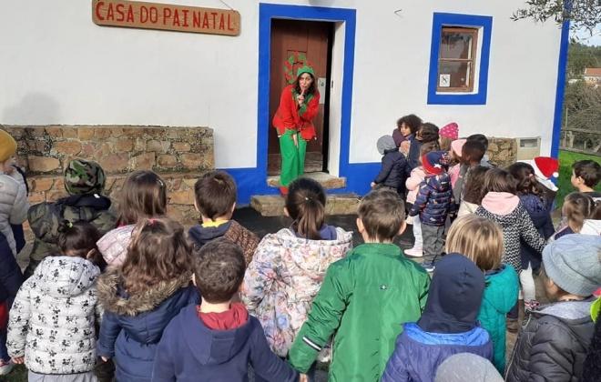A magia do Natal juntou dezenas de crianças em São Teotónio