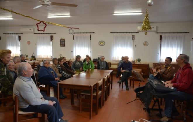 Autarquia de Santiago do Cacém proporciona momentos musicais a idosos das freguesias