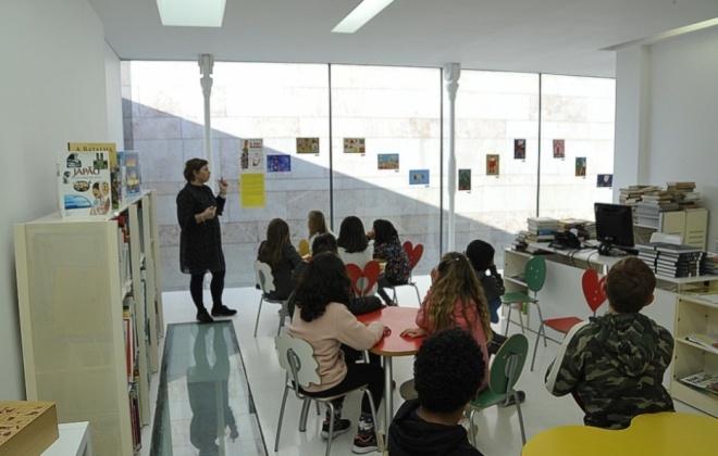 Crianças vivem momento criativo na Biblioteca Municipal de Sines
