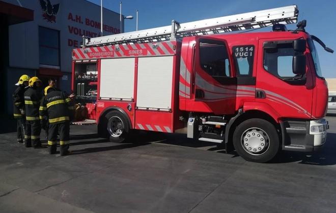 Incêndio urbano desalojou dois idosos em Sines