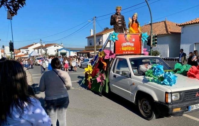 Dezenas de mascarados animaram as ruas de São Luís em Odemira