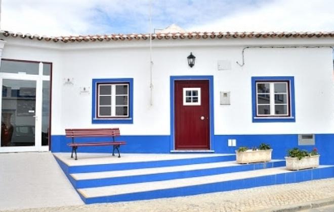 Freguesia de Porto Covo encerra equipamentos e reduz atendimento presencial