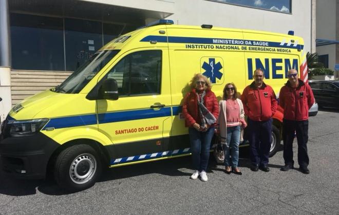 Bombeiros de Santiago do Cacém tem nova ambulância do INEM