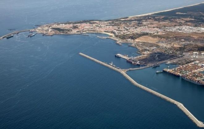 Porto de Sines está a funcionar em pleno