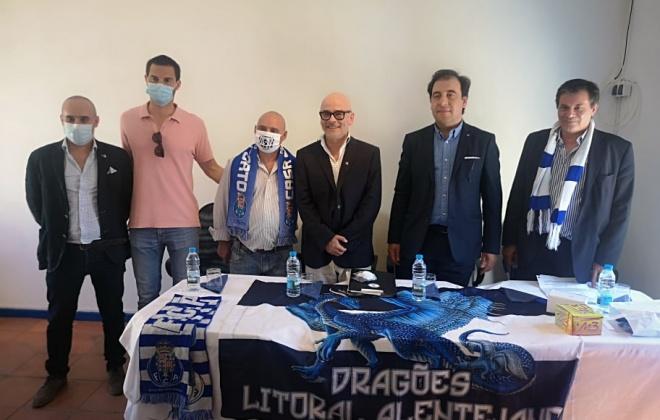Nuno Lobo candidato à presidência do FC Porto esteve hoje em Vila Nova de Santo André