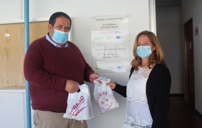 Torrão comemora Dia da Alimentação com entrega de lanche saudável