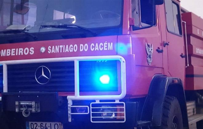 Bombeiros combateram incêndio em Abela, Santiago do Cacém