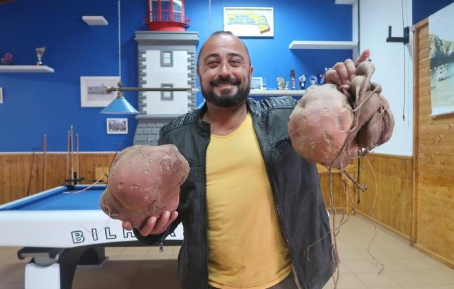 Com uma batata de 4 quilos, Horácio Lourenço vence prémio no Cavaleiro