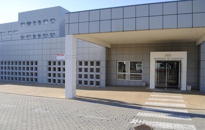 Há 9 doentes Covid-19 internados no Hospital do Litoral Alentejano
