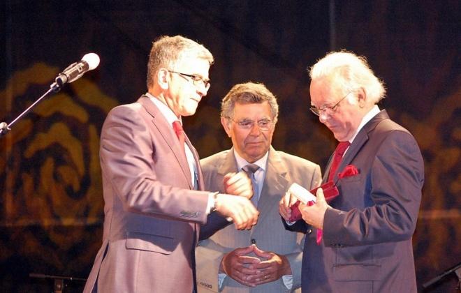 Carlos do Carmo recebeu a chave da cidade de Santiago do Cacém em 2012