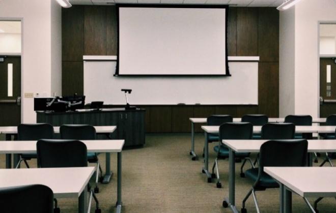 Covid-19: Todos os funcionários escolares e alunos do secundário vão ser testados