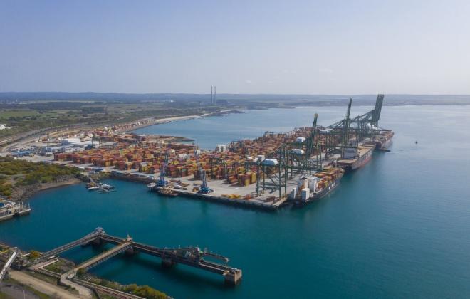 Porto de Sines cresce 10% no total e 16% nos contentores