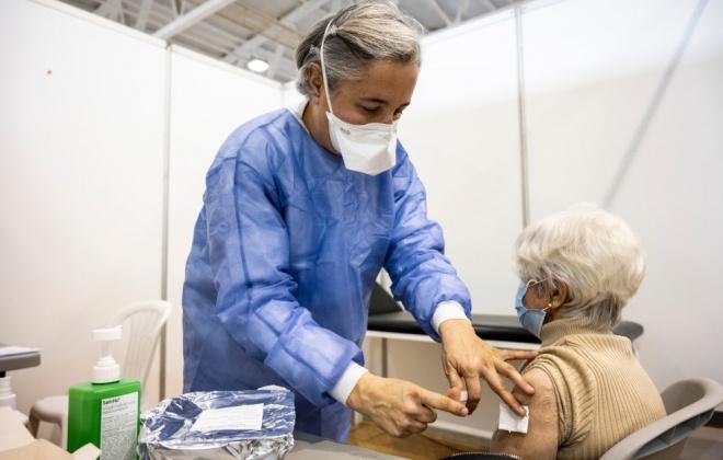 Covid-19: Vacinação bate novo recorde com mais de 154 mil vacinas na terça-feira