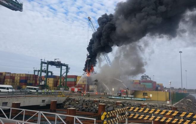 PSA Sines vai investigar as causas do incêndio de ontem no Terminal XXI