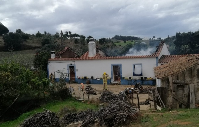 Incêndio provoca a morte a um idoso no Cercal do Alentejo